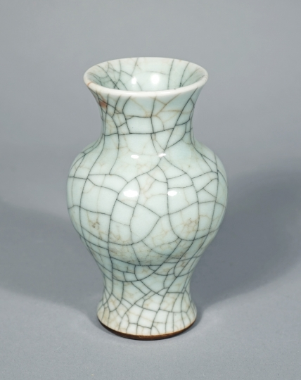 Chinese Geyao Glazed Small Baluster Vase
