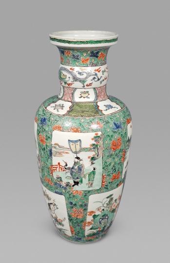 Chinese Famille Verte Porcelain Amphora Shaped Vase