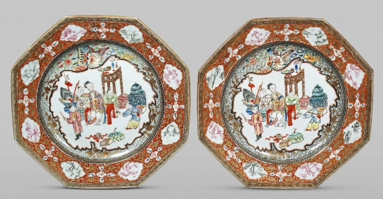 Rare Pair of Chinese Octagonal Famille Rose Porcelain Plates