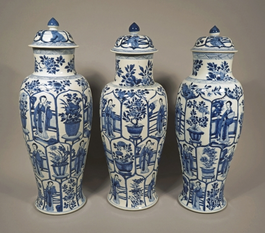 Fine and Very Rare Set of Three Chinese Blue and White Porcelain Vases and Covers
