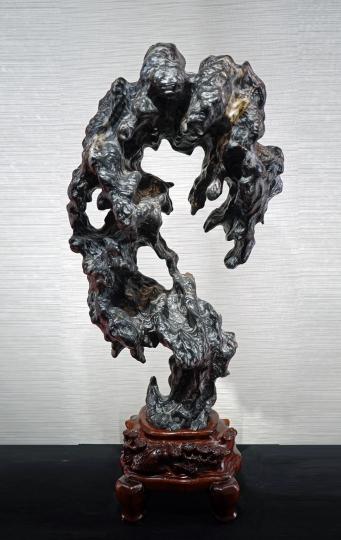 Chinese Scholar's Rock, Lingbi Type