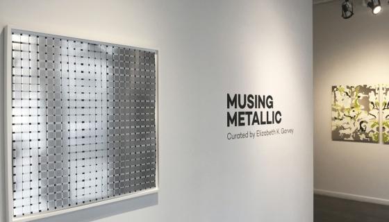 MUSING METALLIC