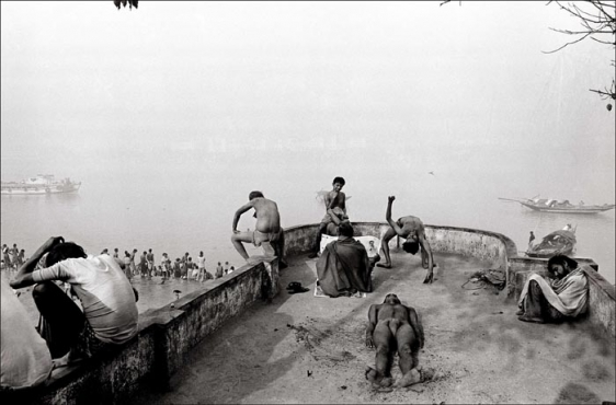 Raghu Rai MORNING ACTIVITIES ALONG MULLICK GHAT, KOLKATA 1990 Digital scan of photographic negative on archival paper 20 x 30 in.