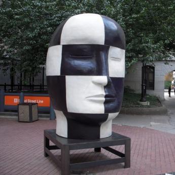 Jun Kaneko head Locks Gallery Philadelphia City Hall