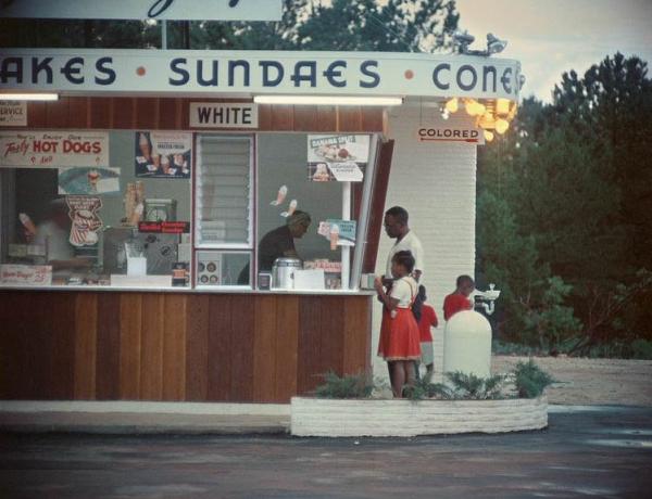 Gordon Parks: Segregation Story at High Museum of Art
