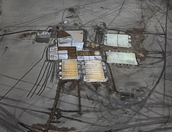 """Time lists upcoming Edward Burtynsky show at HGG as """"Can't Miss"""""""