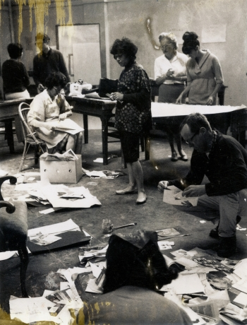 Jay DeFeo (at center, standing) with students at SFAI, c. 1962-1970, photographer unknown. Image courtesy the Jay DeFeo Foundation, © 2020 the Jay DeFeo Foundation/Artists Rights Society/ARS, New York.