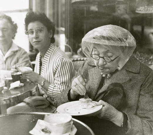 Hundreds of new Vivian Maier prints donated to University of Chicago