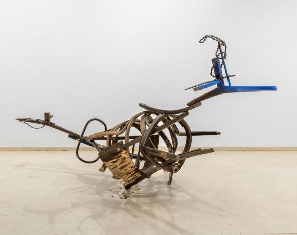 Jorge Peris: Dark Man a lomos del Pájaro de Fuego at The Institut Valencià d'Art Modern