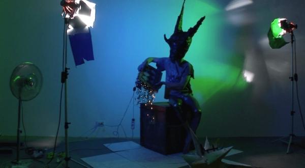 Hortensia Mi Kafchin in 'Eyes Closed, Marvelous Monsters'
