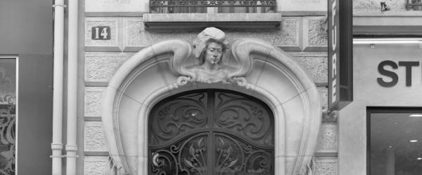 Thaddeus Holownia: Lintels of Paris
