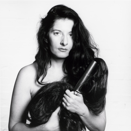Marina Abramović in Artist complex: Photographic portraits from Baselitz to Warhol. Collection Platen