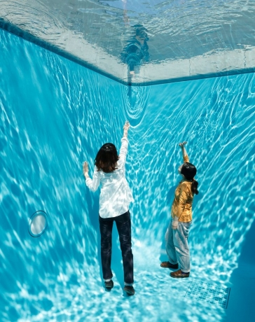 Leandro Erlich in LIMINAL