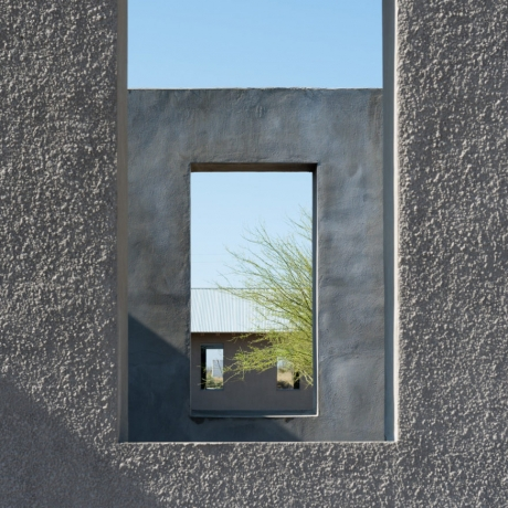 From Dawn to Dusk: Robert Irwin's Installation Captivates at Any Hour