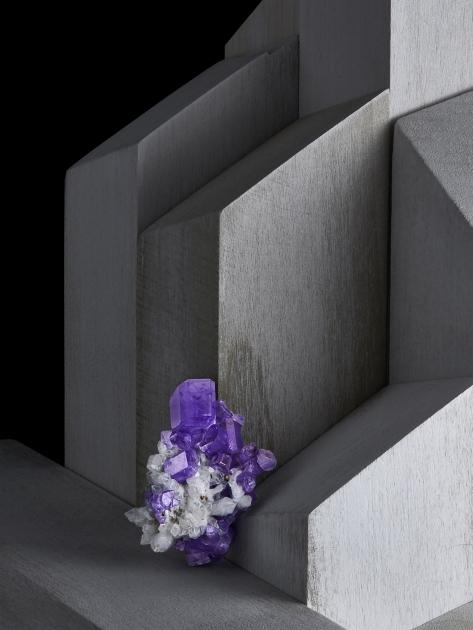 Contrast Exhibition - Apatite