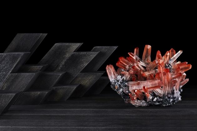 Contrast Exhibition Red Quartz