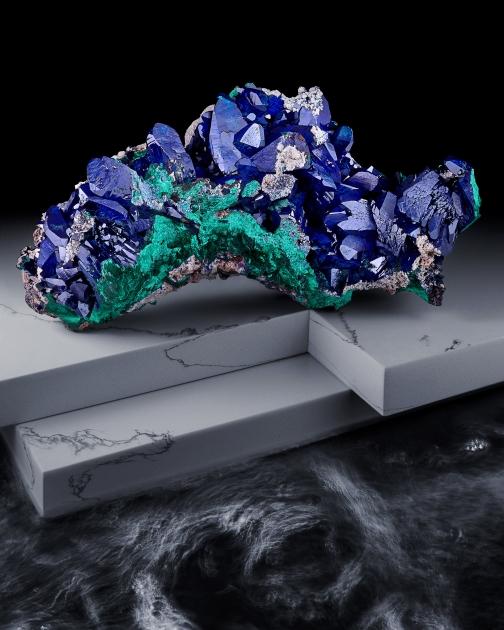 Sirens, azurite on marble island