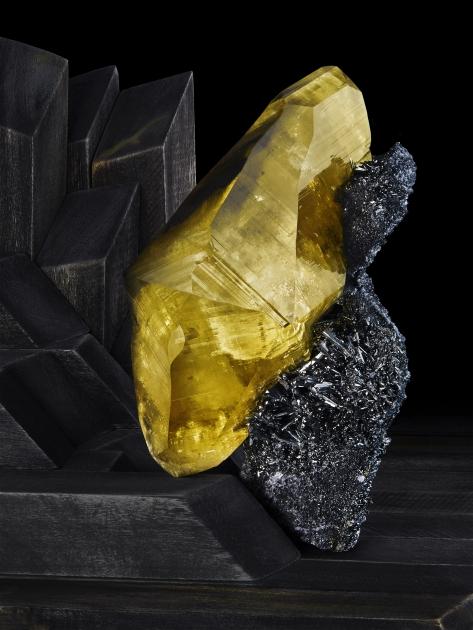 Contrast Exhibition -  Calcite on Stibnite