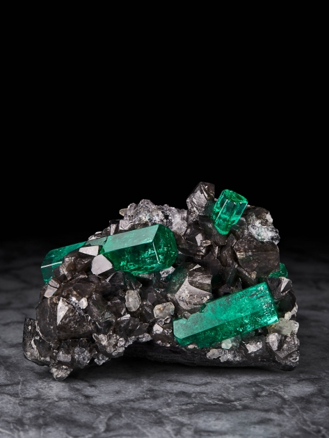 Emerald on Calcite