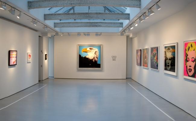 Andy Warhol: Idolized