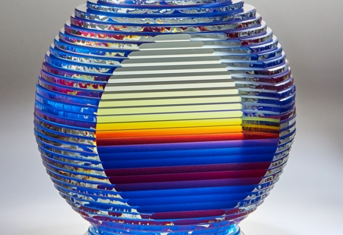 2 Views of Blue / Red Color Motion, Middy Solid Vase Form