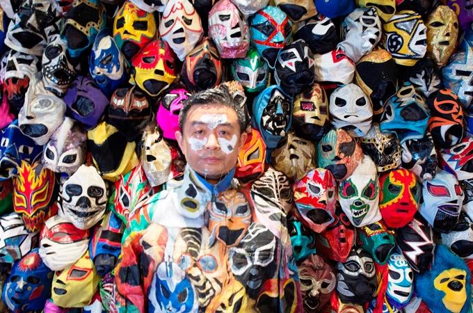 """Liu Bolin: """"Camaleón,"""" Centro Roberto Garza Sada, Universidad de Monterrey, Cuauhtémoc, Mexico (Solo Exhibition)"""