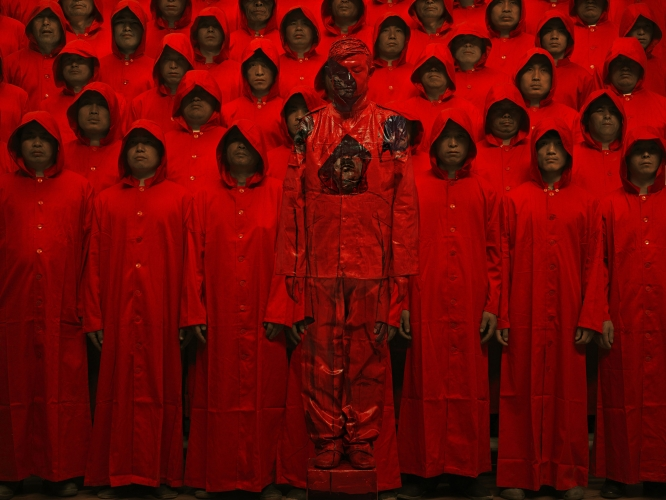 "Liu Bolin: ""Target,"" Bienal de Performance 2015, Buenos Aires, Argentina (performance)"