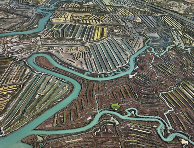 Edward Burtynsky Artists Sundaram Tagore Gallery