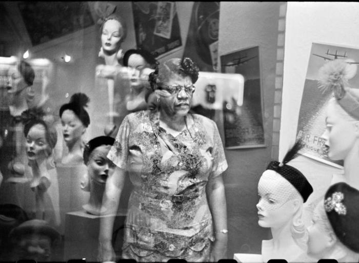 Elliott Erwitt: Pittsburgh 1950 | International Center for Photography