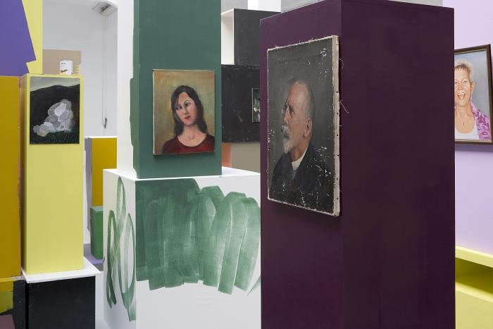 Rachel Harrison Greene Naftali Gallery, New York Migros Museum für Gegenwartskunst, Zurich, 2007