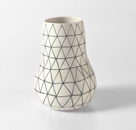 Shio Kusaka, Untitled (Triangle 11), 2010, Porcelain