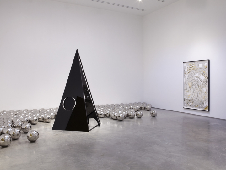 BHARTI KHER, YAYOI KUSAMA, EVA ROTHSCHILD AND MINDY SHAPERO	GROUP SHOW