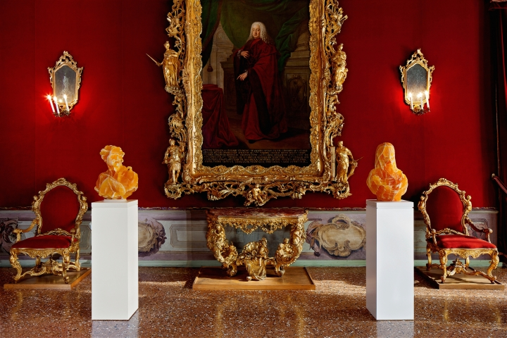 Barry X Ball, Ca' Rezzonico, Venice - Golden Honeycomb Calcite Envy and Purity in the Throne Room