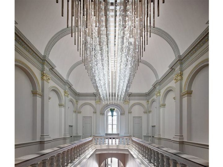 Villareal's piece, titled Volume (Renwick), holds pride of place above the museum's historic grand stairway. It uses LEDs embedded in 320 mirrored stainless steel rods.