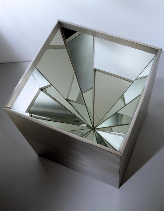 , ROBERT SMITHSON,Four-Sided Vortex,1965, Steel and mirror, 35 x 28 x 28 in.