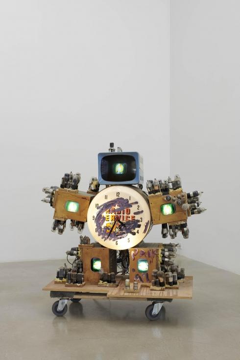 NAM JUNE PAIK, TV SERVICE ROBOT,1997
