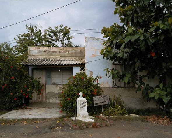 VIRGINIA BEAHAN, Bario Blanco, Central Paraguay, Guantánamo, 2004
