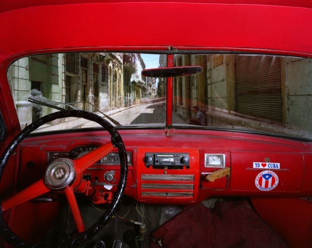 ALEX HARRIS  Sol and Cuba, Old Havana, looking north from Alberto Roja's 1951 Plymouth, Havana May 23, 1998