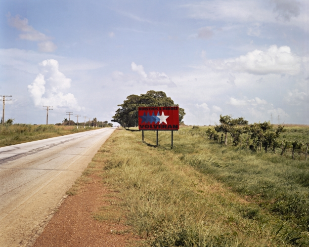 VIRGINIA BEAHAN, Main highway between Ciego de Ávila and Camagüey, 2004