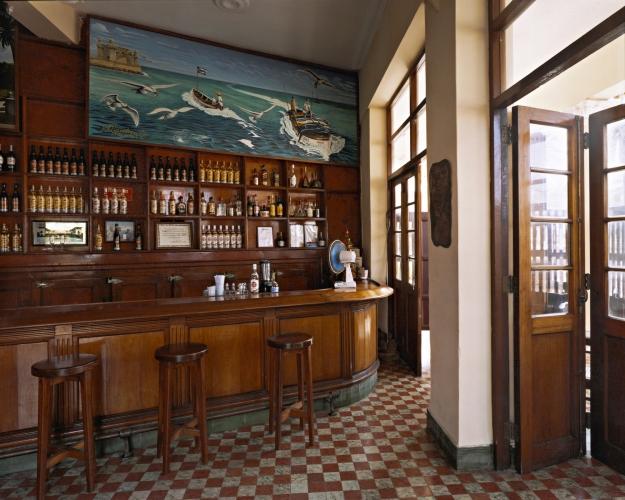 VIRGINIA BEAHAN, La Terraza, Cojímar, 2005