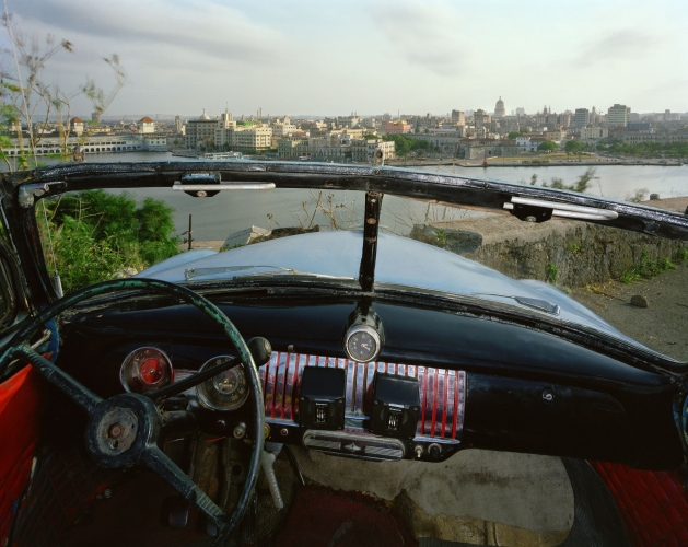 ALEX HARRIS  View of Havana from El Cristo de Casa Blanca, looking south from Ricardo Moya Silveira's 1951 Chevrolet May 24, 1998