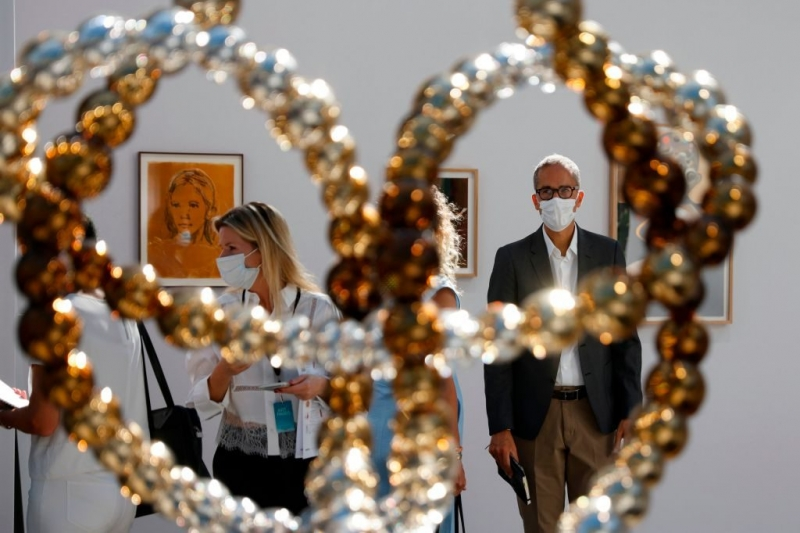 ARTNET NEWS: 'What's the Rush?': Art-Industry Pros Are Ambivalent About Returning to the Art-Fair Traveling Circus This Fall