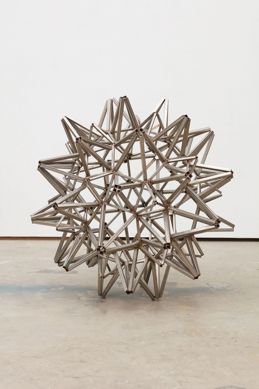 Star With Square Tubing, Frank Stella