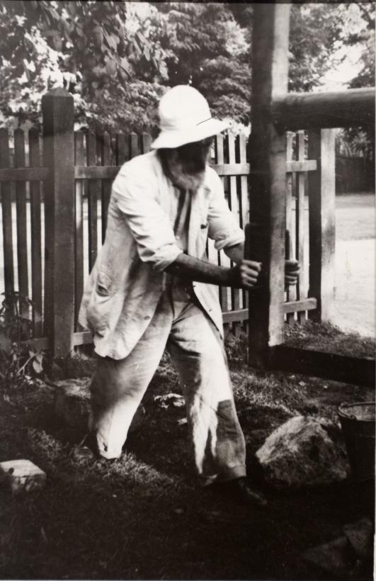 Constantin Brâncuşi - Micu Marcu; Brancusi working on the door of The Kiss, Targu jiu, July 2, 1938 Gelatin silver print ; Bruce Silverstein Gallery