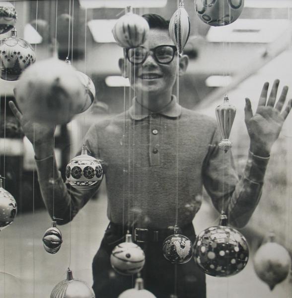 Richard Avedon - Christmas Boy