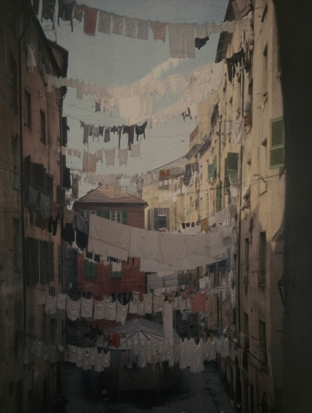 Hans Hildenbrand- Genoese Families Hang Laundry Between Buildings to Dry
