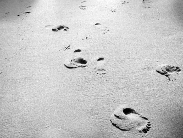 Andy Warhol - Footprints in Sand