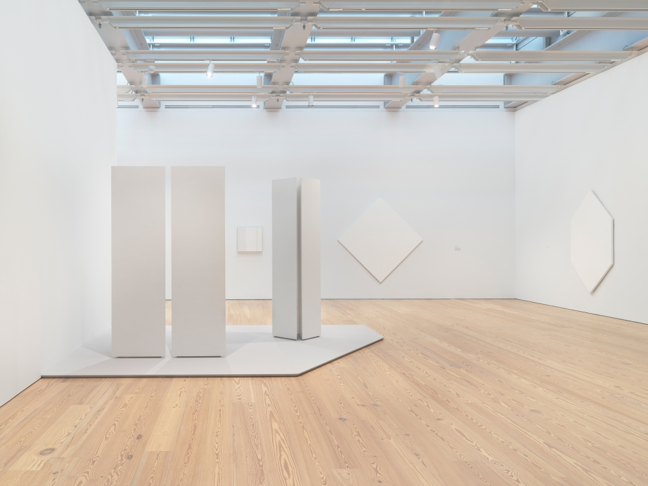 Installation photo of the 2018 exhibition Mary Corse: A Survey in Light at the Whitney Museum of American Art, New York, view 1