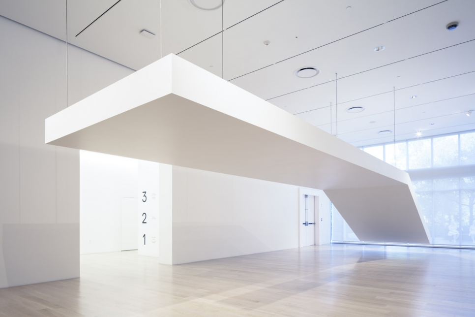 Robert Grosvenor awarded the second annual Ezratti Family Prize for Sculpture