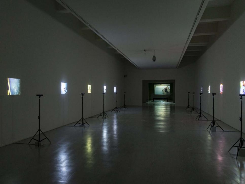 Apichatpong Weerasethakul participa en Núcleo de Arte da Oliva en Portugal con su exposición The Serenity of Madness